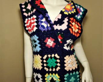 Vintage 70s Hand Knit Crocheted Afghan Granny Sweater Vest L