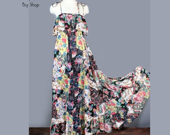 1970's Floral Rich Hippie Maxie Dress - MED