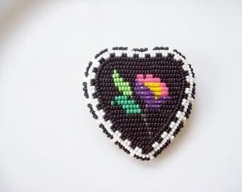 beaded flower brooch ,  Heart brooch , seed beaded brooch , beaded lapel pin , Heart flower pin , Flower pin , Handmade pin , Beadwork pin