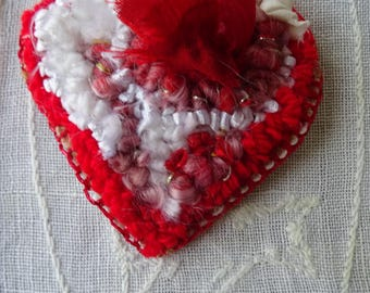 Joy: textile jewellery