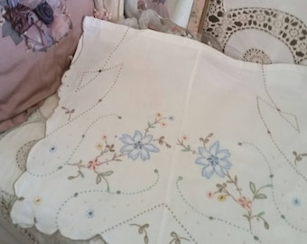 vintage doilys, 2 embroidered pieces, stunning embroidery, complex cutwork, beautifully handmade