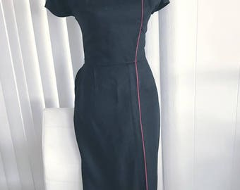 Vintage 1950's Black and Red Asian Dress -- Rayon Linen Blend -- Size M