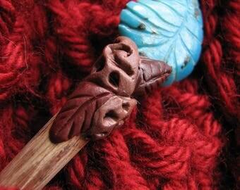 Turquoise leaf | shawl pin | wood | shawl stick | handmade | blue | gemstone | autumn