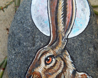 Moon HARE Totem Hand Painted Stones RABBIT Rock Art Animals Spirit Guide Artwork Stone ART Paperweight Altar Tools Nature Paintings Bunnies