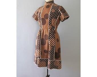 polka dot dress - vintage 60s Estelle Allardale brown white mock turtleneck short sleeve knee length mod knit fit and flare circle print med