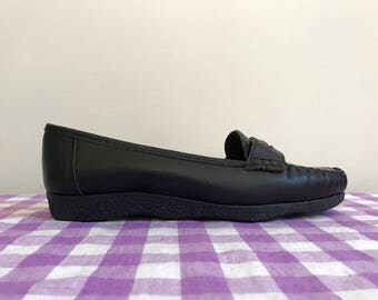 NOS vintage black leather Famolare penny loafers US 5.5W