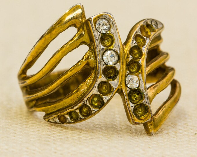 Abstract Rhinestone Vintage Ring Gold Metal Unique Design US Womens Size 8 7RI