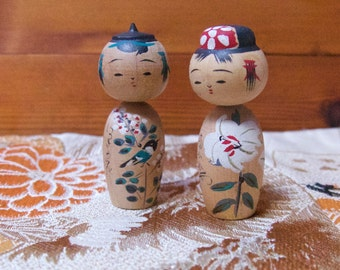 Vintage Japanese Pair of Bobblehead Wooden Kokeshi Dolls