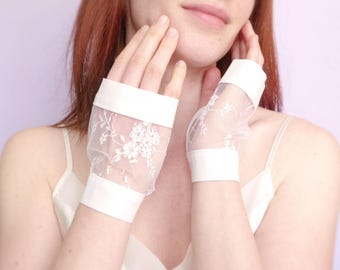 White bridal lace fingerless gloves and organic cotton