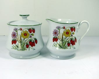 Vintage STRAWBERRIES CREAM & SUGAR Bowl Strawberry Garden Saltera Himark Japan Red Berry