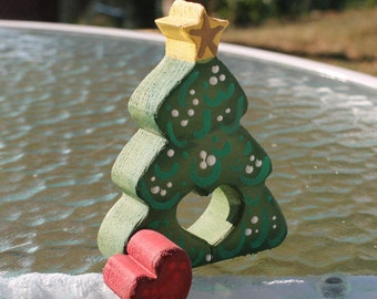 Christmas in July Holiday Tree with Red Heart Love Chunk / Christmas Decoration
