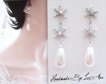 Snowflake pearl earrings, Pearl earrings, Snowflake earring, Winter wedding jewelry, Brides snowflake earrings, Sterling posts. Swarovski ~