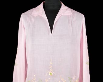 1920s Blouse // Pink Cotton Butterfly Embroidered Long Sleeve Top