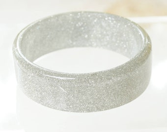 SPARKLING BANGLE - silver glitter filled sparkling bangle  - lovely vintage perfectly symmetrical silver glitter filled sparkling bangle