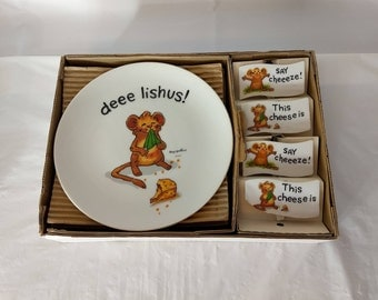 Vintage Suzy Spafford Suzy Zoo 8 Pc Set Cheese Plates and Markers 1976 Mice
