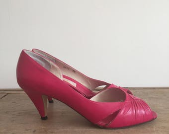 hot pink 1980s stiletto heel shoes // peep toe // high heels // UK 3.5 EU 36 US 5.5