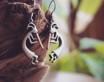 Mayan Stylized Earrings - silver/gold