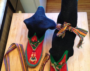 Tribal Boots, Tibet/Nepal, Embroidered. Vintage 70's, Size 6 1/2. Wild and Wearable.