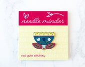 Magnetic Tulip Needle Minder, Embroidery Hoop, Magnetic Needle Keeper, Needle Nanny for Hand Sewing, Hand Embroidery, Enamel Pin