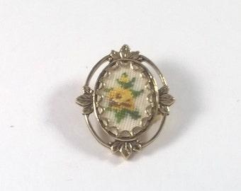 Vintage Needlepoint Brooch - Little Yellow Flower - Floral Jewellery - Handmade Jewelry 1960s