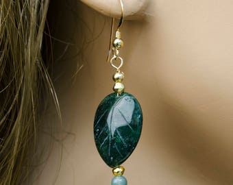 Deep Green Carved Agate Leaf Earrings w Moss Agate and Gold, Natural Stone Earrings, Gold Filled Earrings, Nature Jewelry, Hand Carved Stone