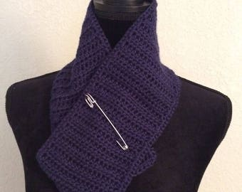 Navy Blue Scarflette with decorative pin