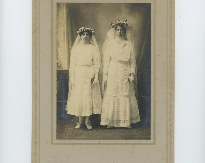 Antique Portrait Photo: Two Young Ladies' Confirmation by Reilly Studio, Port Richmond, Staten Island, NY c1900-10 (81635 O/S]