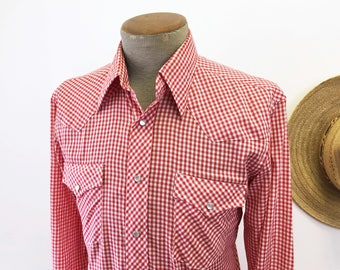 1970s Vintage JCPenney Red & White Gingham Western Shirt Men's Cowboy Style Long Sleeve Pearl Snap Shirt by JCPenney - Size MEDIUM