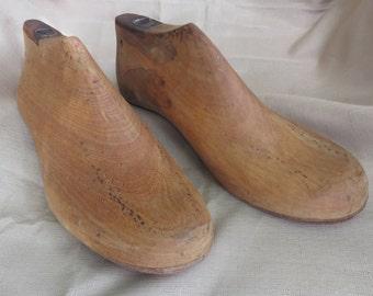 Vintage Pair of Wooden Cobbler Shoe Last Mold 9.5 Mens