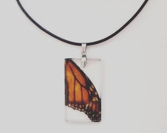 Real Monarch Butterfly wing window necklace. Insect specimen resin pendant, perfect gift for entomologist or nature-lover.