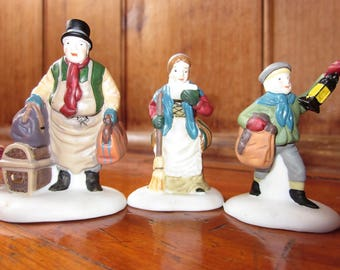 """Vintage Department 56 Heritage Village Collection """"Come into the Inn"""" Hand Painted Porcelain Set of 3 Accessories Christmas Village # 55603"""