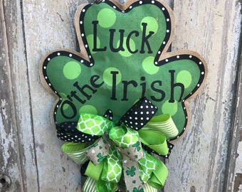 St Patrick's Day Wreath, St Patrick's day door hanger, Shamrock door hanger, shamrock wreath, Shamrock Swag, St Patrick's Day swag, Shamrock
