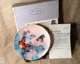 Monarch Butterflies Collectible Fine China Plate - Original Box, Certificate Authenticity - 1st Issue, Gossamer Wings Collection, Lena Liu