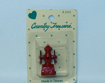 Country Treasure Minature Red Coffe Grinder 2112 Made In Taiwan Dollhouse, Shadowbox