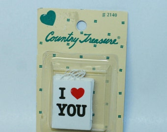 Country Treasure Minature I Love You Gift Bags 2140 Made In Taiwan Dollhouse, Shadowbox