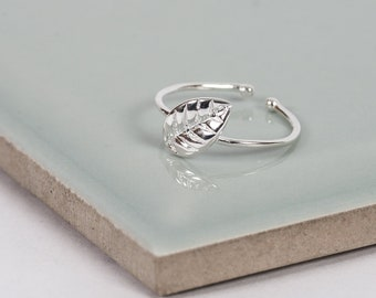 Sterling Silver Little Leaf Midi Ring