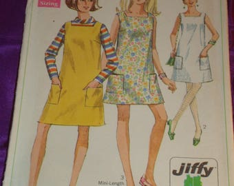 1960s 60s Vintage Square Neck Dress Jumper Sleeveless Patch Pockets Abv Knee or Mini COMPLETE Simplicity Pattern 7622 Bust 36 US 92 Cm EASY