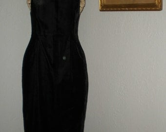 Vintage Scott McClintock 70's Black Velvet Formal Evening Gown Size 10 Metallic gold Trim