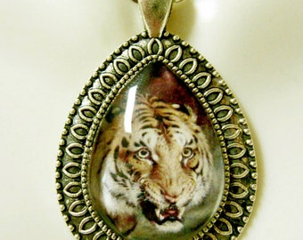 Bengal Tiger teardrop pendant and chain - WAP15-201