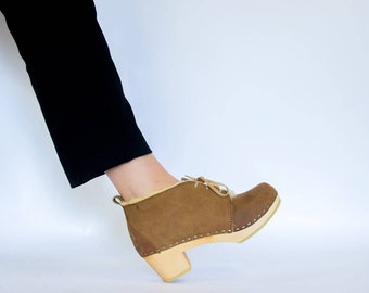 Sale / Womens Ankle Clog Wool Shoes / Wooden Boots / Wool Boots / Leather Boots / Womens Boots / Boots for Women / Sandgrens / Chukka