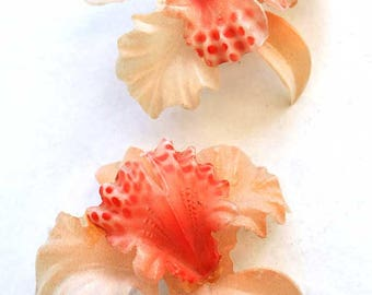 Vintage Featherlite Cellulloid Orchid Earrings • Clip on Earrings