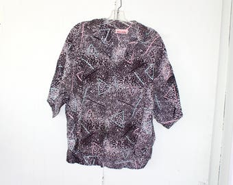 Melissa Ashley trippy print button up / size- large
