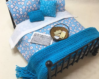Miniature Dollhouse Duvet Bedding Set - Soft Blue with White Flower -Queen/Double