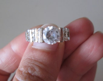 925 Sterling silver vintage CZ Band ring, size 8