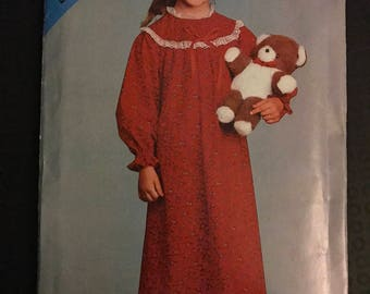 See & Sew 2845 - Girl's Nightgown with Round Yoke and Lace Trim in Maxi Length - Size 2 3 4