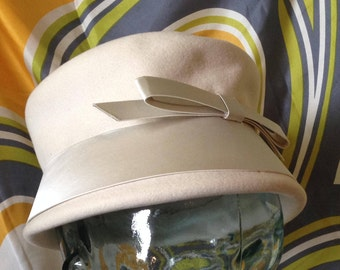 Vintage Ritz Winter White hat Henry Pollak Union Made