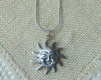 Silver Tone Sun Pendant Chain Necklace Vintage Sun Face Happy Sun Pendant, Happy Sun Face, Vintage Sun Jewery Silver, Smiley Sun Necklace