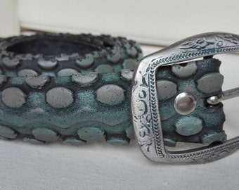 Belt from old bicycle mtb tire, painted