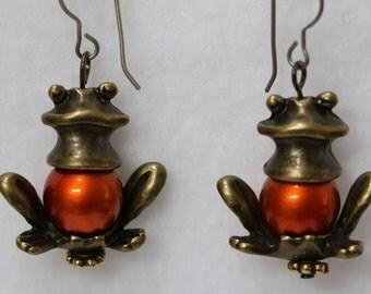 Frog Prince Earrings                       E-1080