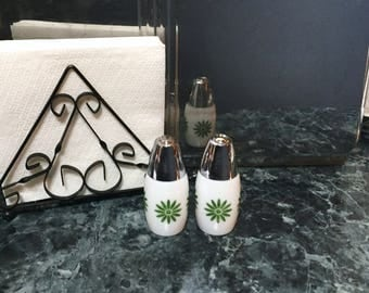 Vintage Salt and Pepper Shakers - Gemco Milk Glass with Daisy Shakers - Westinghouse Gemco